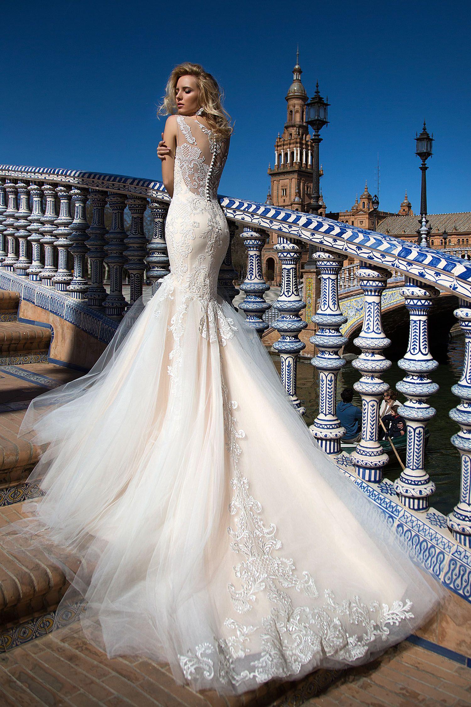 Robe De Mariée Sirène Avec Longue Traine F Gowns Robe