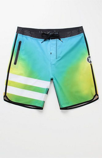 "Online Only! Bring major style and performance to the beach this season with the Phantom Julian Elite 19"" Boardshorts. These lightweight Hurley boardshorts boast a multicolor design, a stretchy water-repellent fabrication, and a reflective Hurley logo on the side. Lightweight performance boardshorts Reflective details and Hurley branding Water-repellent fabrication Zip pocket with laser cut drainage holes Livewire waistband with EZ fly closure 19"" o..."