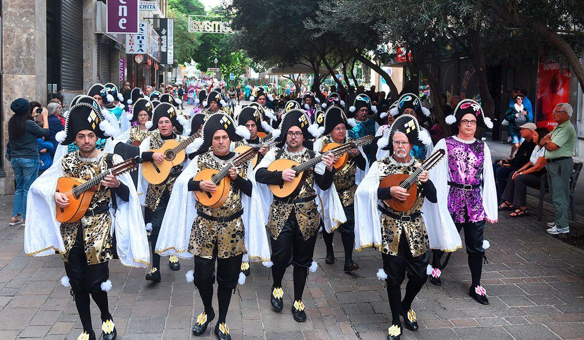 Grupo Mascarada Carnaval: Un paseo a pulso y púa