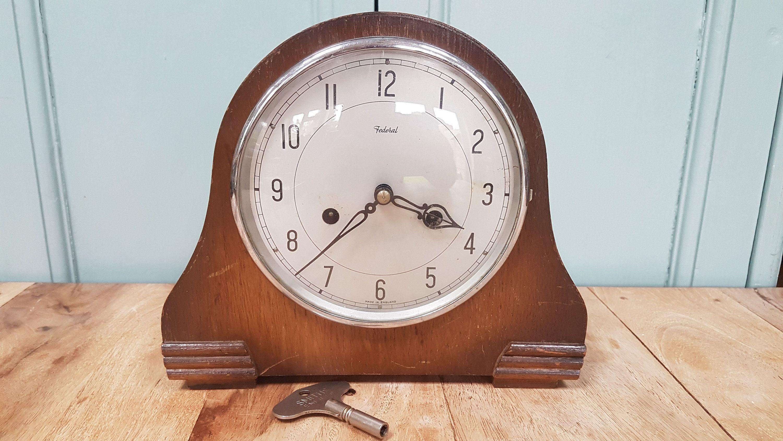 Vintage Mantle Clock Federal Smiths Enfield Striking Mantle Clock Art Deco Chiming Clock Wind Up Pendulu Vintage Mantle Clocks Art Deco Clock Mantle Clock