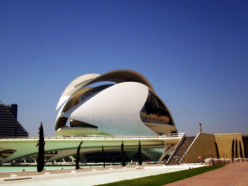 Santiago Calatrava - Palau de les Arts - Valencia, Spain, 2004