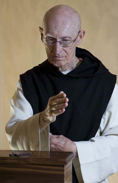 Images Of Catholic Monks Google Search Monks Pinterest