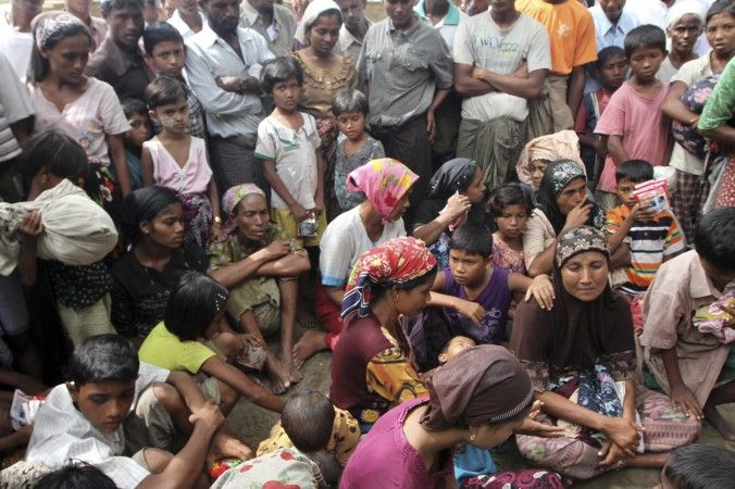 Muslim refugees at the Thechaung camp refugee camp upon arrival in Sittwe, Rakhine State, western Myanmar Oct. 28, 2012. (AP Photo/Khin Maung Win)