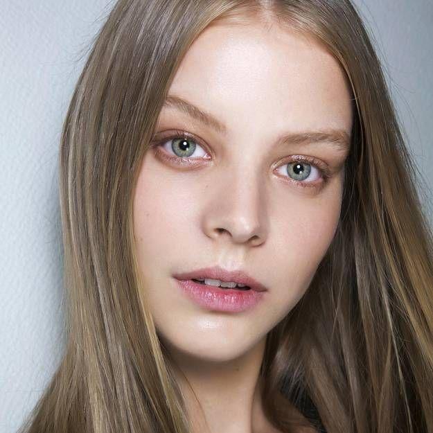 Stop aux cheveux ternes : nos 5 astuces brillance