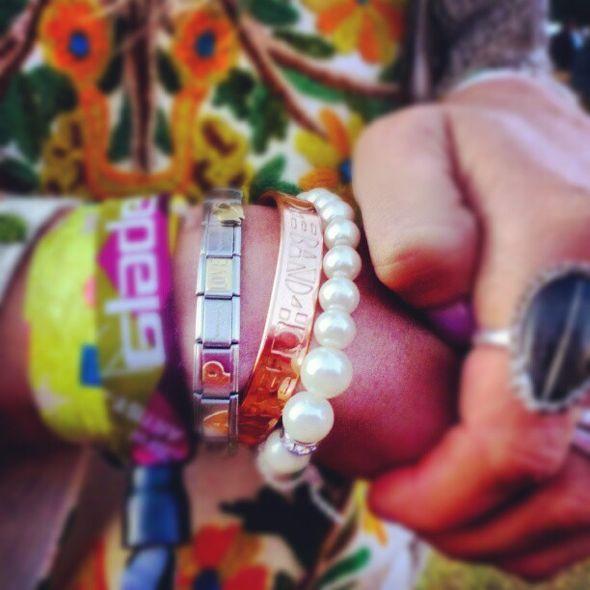 Hope-spreading wrist-candy, http://band4hope.com