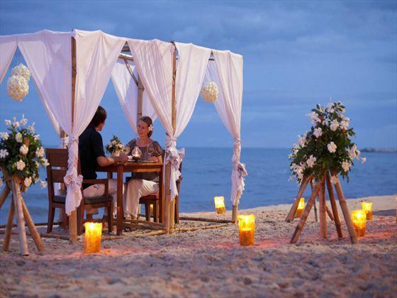 Private Dining On The Beach At Holiday Inn Regent Beach Cha Am Thailand Beach Canopy Holiday Inn Beach Resorts