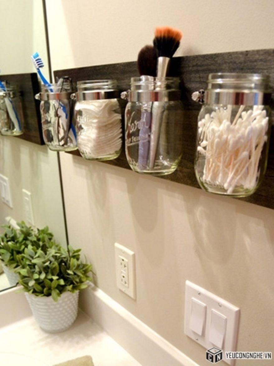 15 Gave Ideetjes Om Je Badkamer Georganiseerd Te Houden Mason Jar Bathroom Organizer Bathroom Organisation Mason Jar Organization