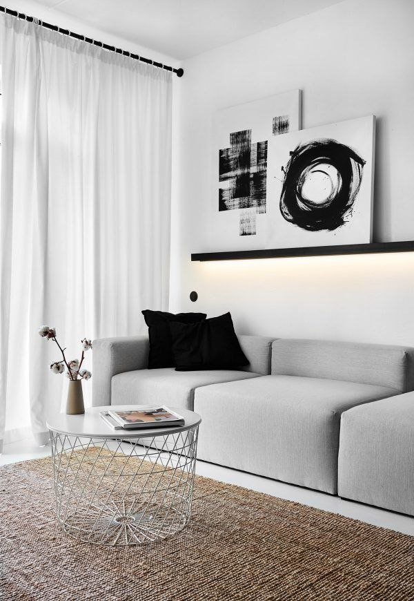 Small Apartments Under 40sqm In Sharp Black, White & Wood Decor (With Floor Plans) #apartmentfloorplans