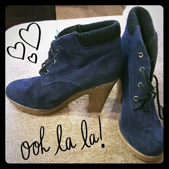 ??Blue Corduroy Boots?? Super cute dark blue corduroy boots, perfect for your casually classy autumn and winter look! These have only been worn 1 time! TEXTILE Elizabeth and James Shoes Ankle Boots & Booties