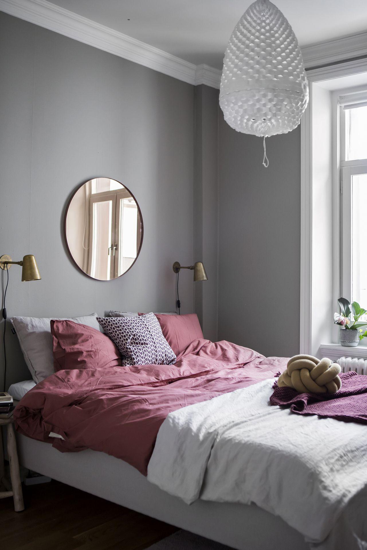 grey bedroom with raspberry bedding ideas home in 2019 gray rh pinterest com