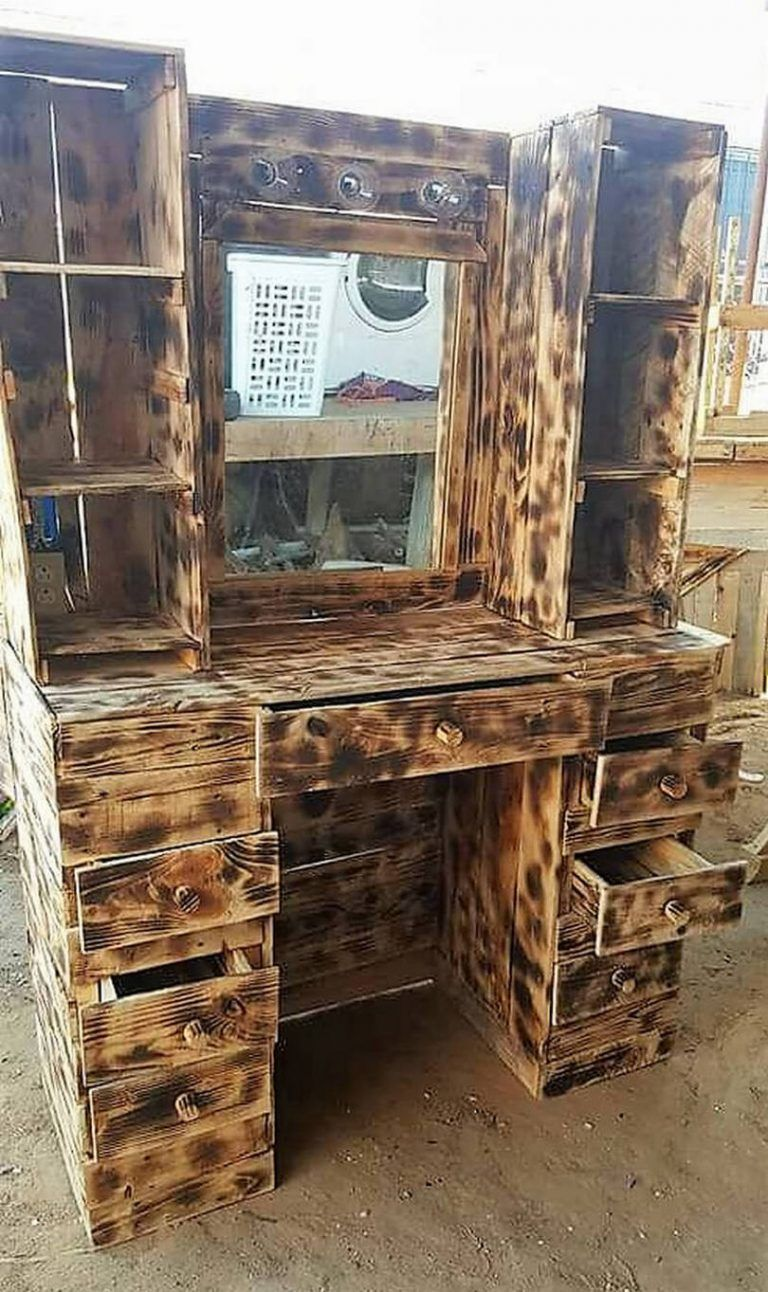 Rustic Creations Out Of Used Wood Pallets Rustic Home Decor And Design Ideas Wood Pallets Diy Pallet Projects Wood Pallet Projects