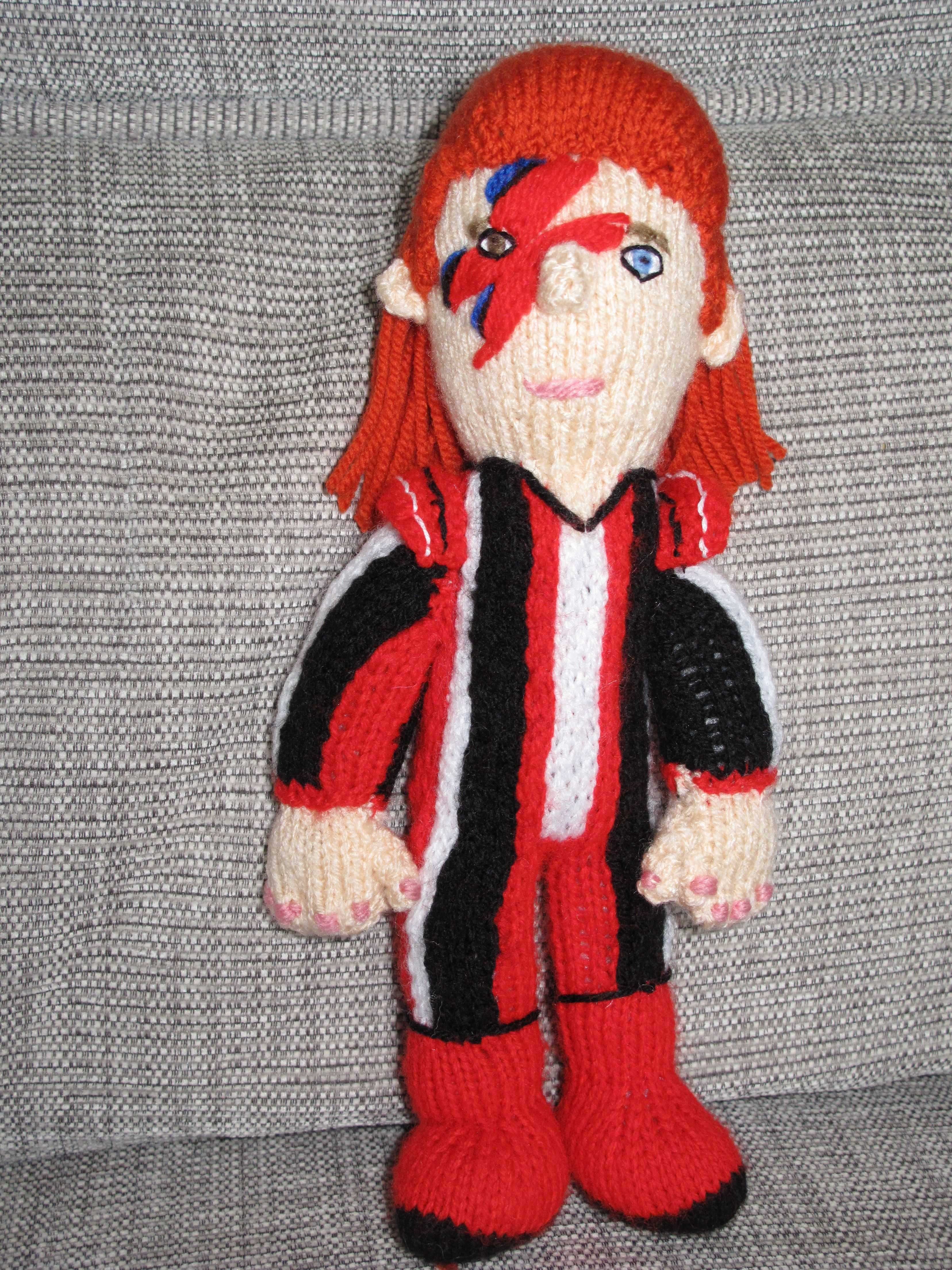 Knitted David Bowie #Knitting #Crafts #KnittedCelebrities ...