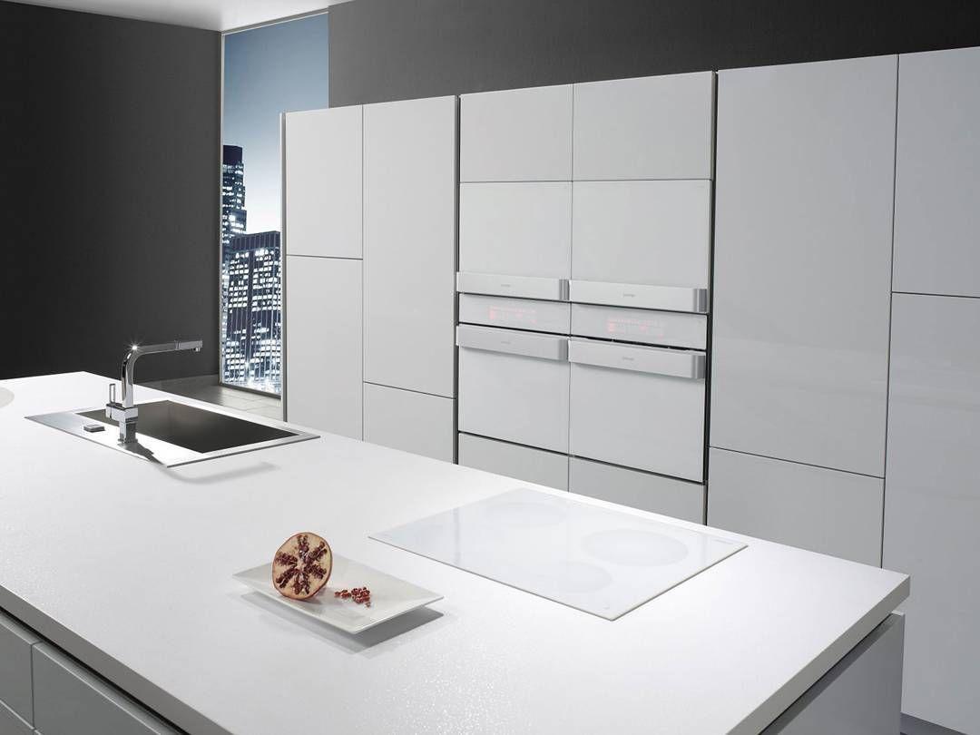 cozinha completa com eletros da linha gorenje ora ito. Black Bedroom Furniture Sets. Home Design Ideas