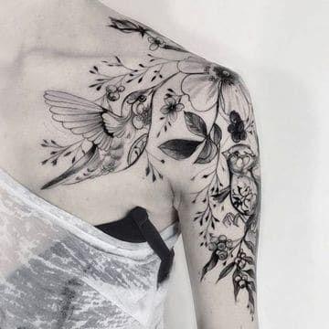 Tatuajes De Golondrinas En El Hombro En Composicion Maoritattoos