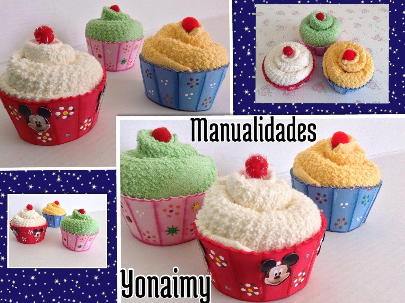 Cupcakes o panquecitos hechos con toallitas faciales y - Como se hace manualidades ...