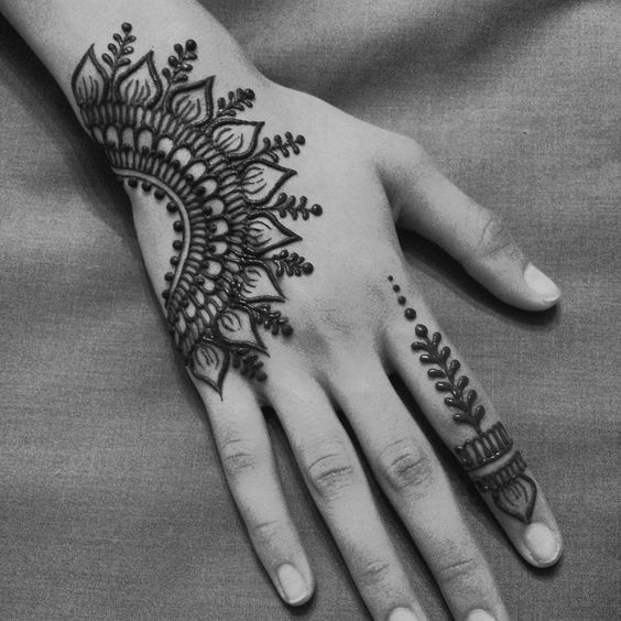 Henna Tattoo Chicago Near Me: The Henna Tattoos Has Been Around Since Time Began. It Is