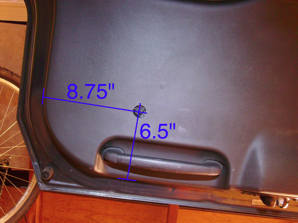 Howto Rear Hatch Exit from Inside the Xterra (Quick