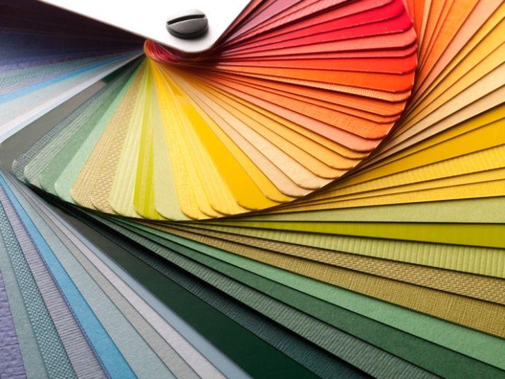Aprenda um pouco mais sobre o significado da aplicação das cores no design de interiores para uma correta energização dos ambientes.