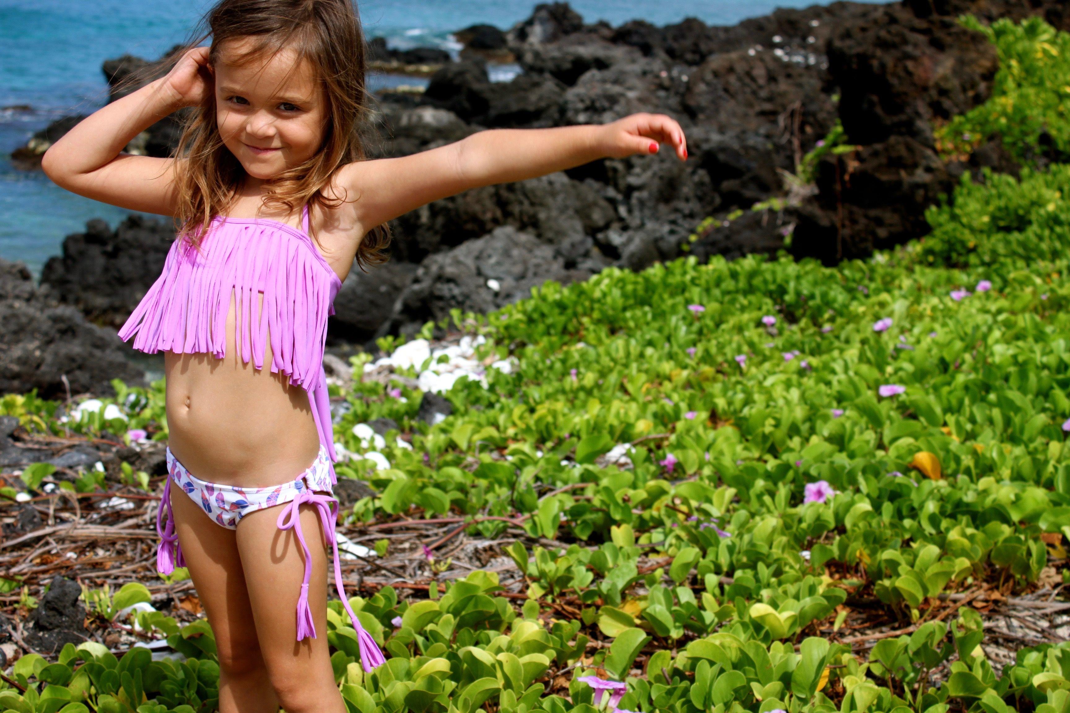 6000c8061dfa7 Kimi and Li Bikini