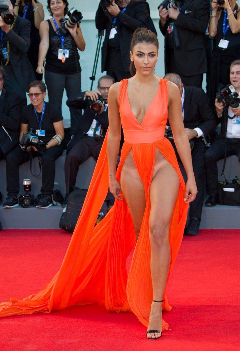 15 famosas que usaron vestido sin ropa for Rihanna sin ropa interior