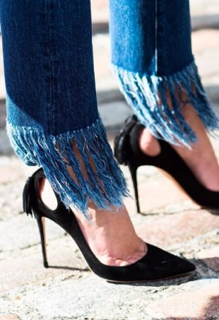 Love the street style favorite 3x1 Crop Fringe Lima jeans but don't want to drop $295? Find out how to fray jeans hems at home.