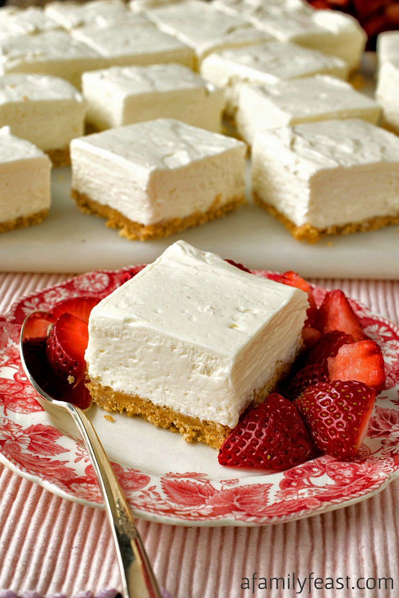 These No Bake Greek Yogurt Cheesecake Squares Are Creamy And Delicious With A Wonderful Tangy Swe Greek Yogurt Cheesecake Yogurt Dessert Recipes Yogurt Recipes