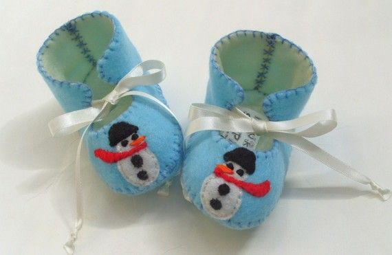10% off code: FUNKYBLACK! PERFECT FOR CHRISTMAS Snowman Baby Boy Booties by funkyshapes, $27.95