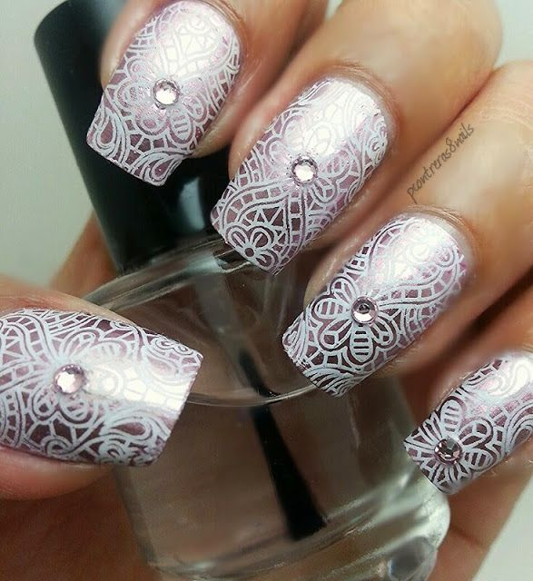 pcontreras8nails: Delicate pink mirrored mani; Stamping Plate ...