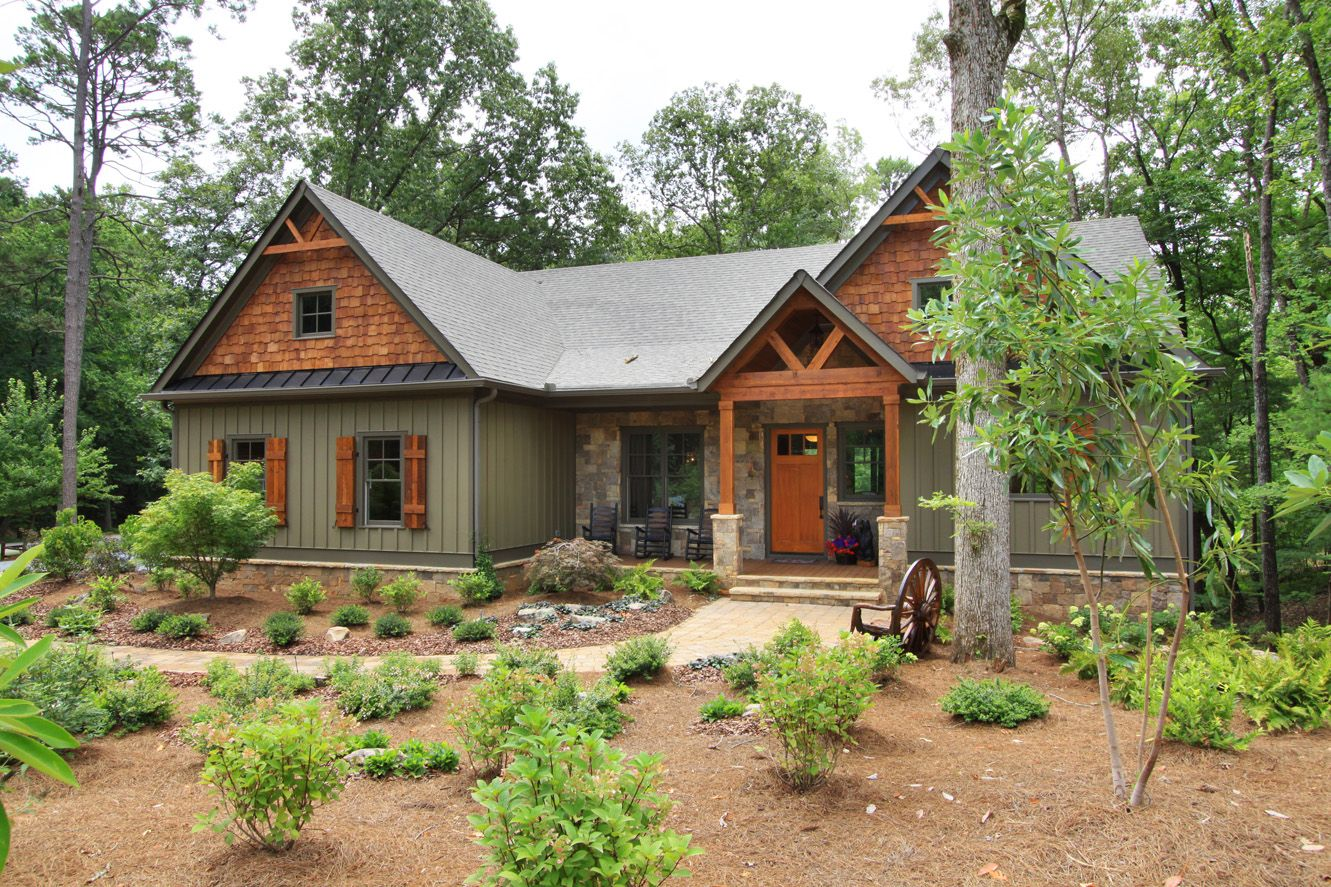Big Canoe North Georgia Mountain Homes And Real Estate Cottage Exterior Colors Best Exterior House Paint
