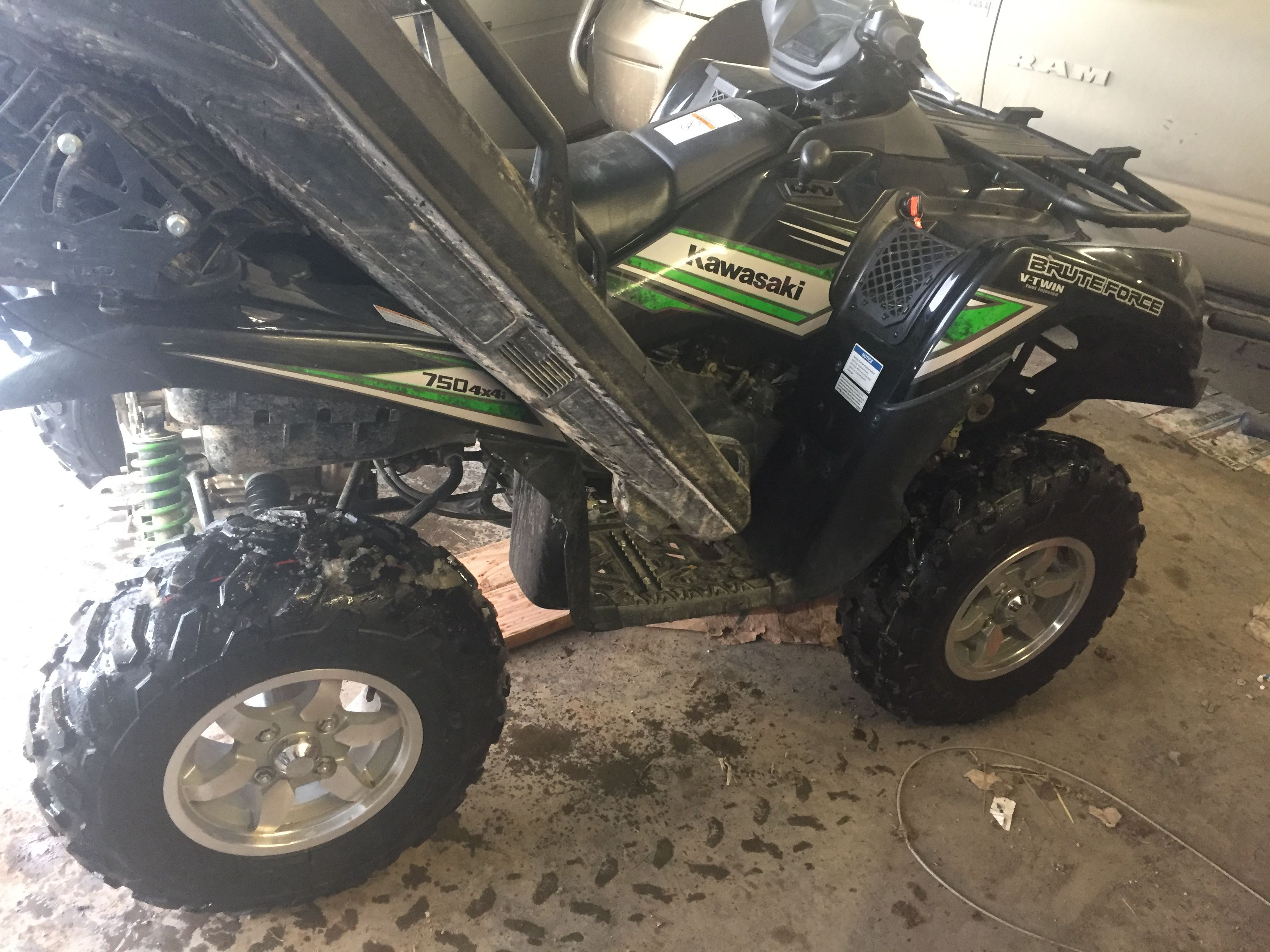 2017 Kawasaki Brute Force 750  Highlifter 2in lift and2in