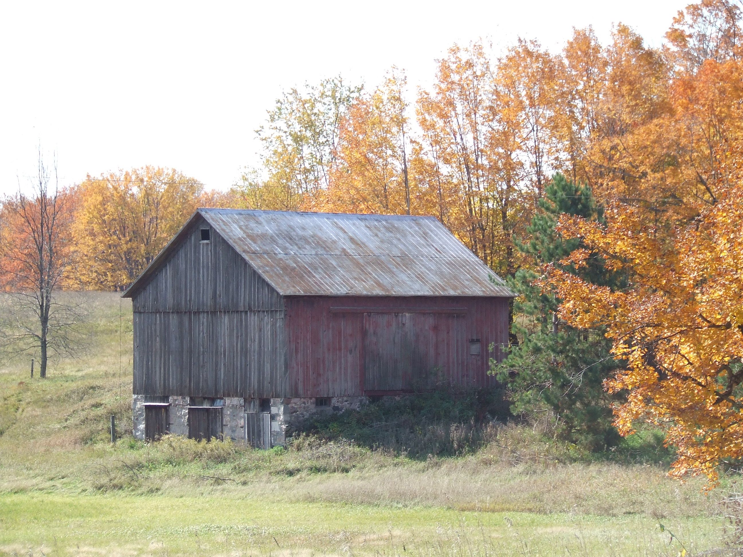 Northern Michigan   Old barns, House styles, Built in storage
