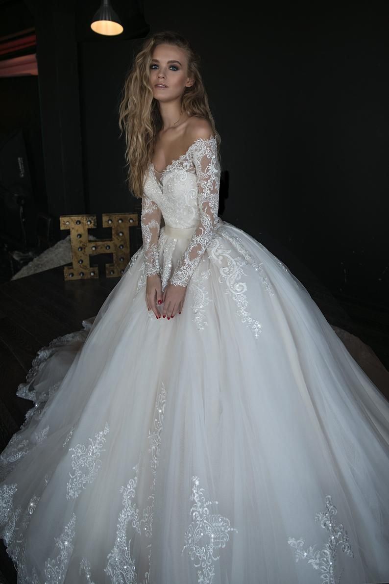 Wedding dress OB7962 whole dress by Olivia Bottega, sequins bodies and ball skirt with lace and trail