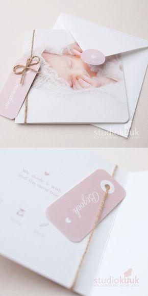 Geboortekaartje met foto   papieren label   kleur