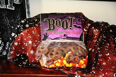 Halloween Treat Bag Toppers Tutorial