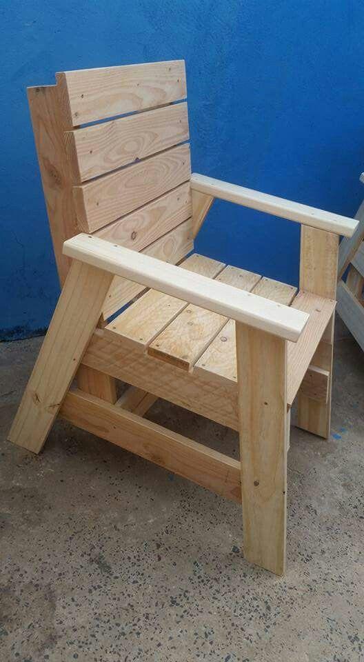 Pallet Chair In 2019 Pallet Patio Furniture Backyard