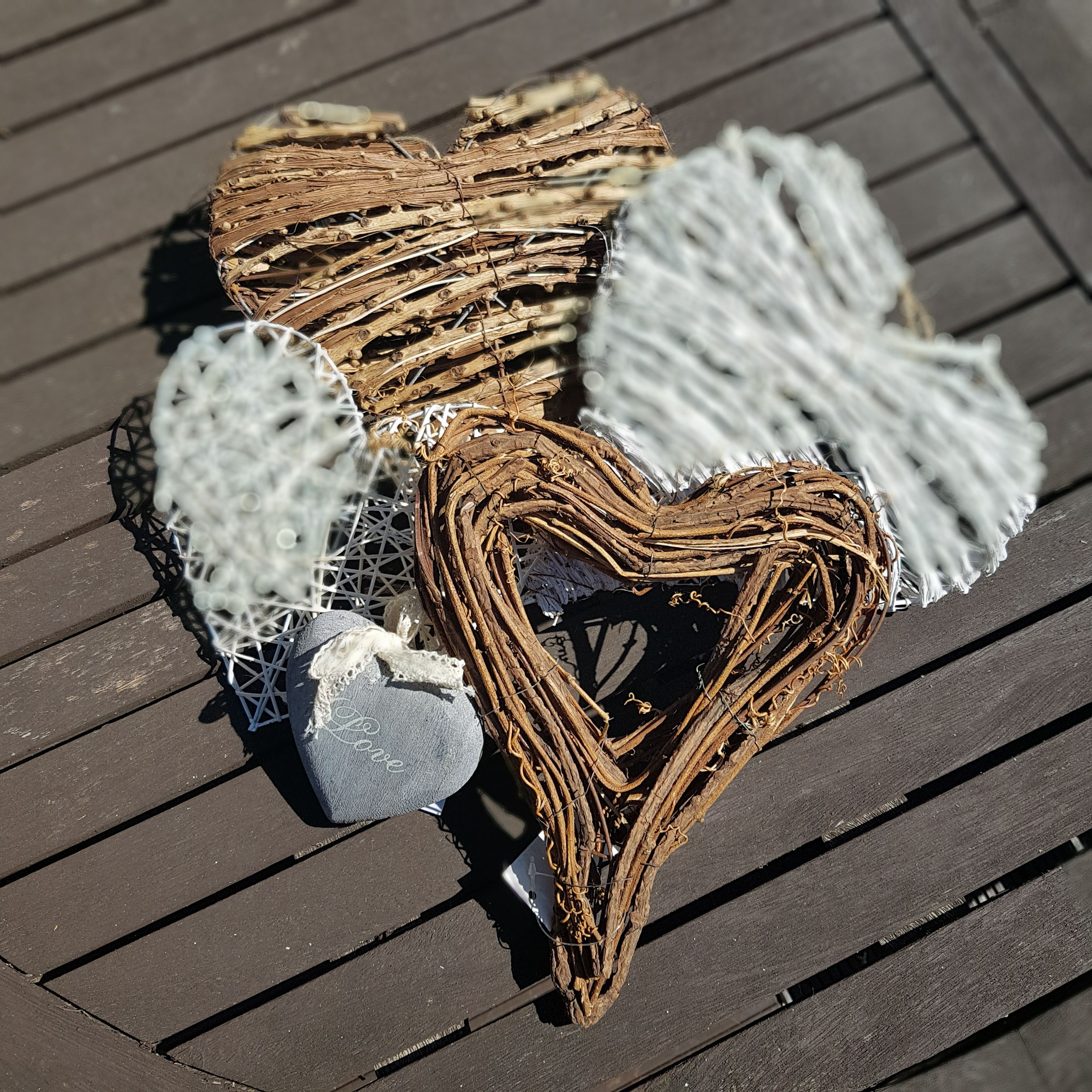 Have A Look At Our Lovely Collection Of Rustic Hearts To Decorate You Home Or Garden This Summer Lakebamboo Design Home Heart Decorations Decor Inspiration