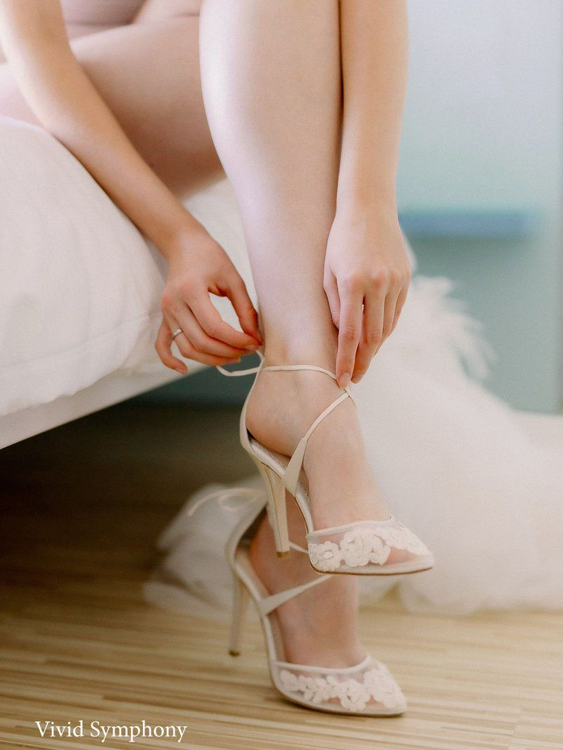 Ivory Lace Wedding Shoes In 2020 Wedding Shoes Lace Ivory Bridal Sandals Bridal Shoes