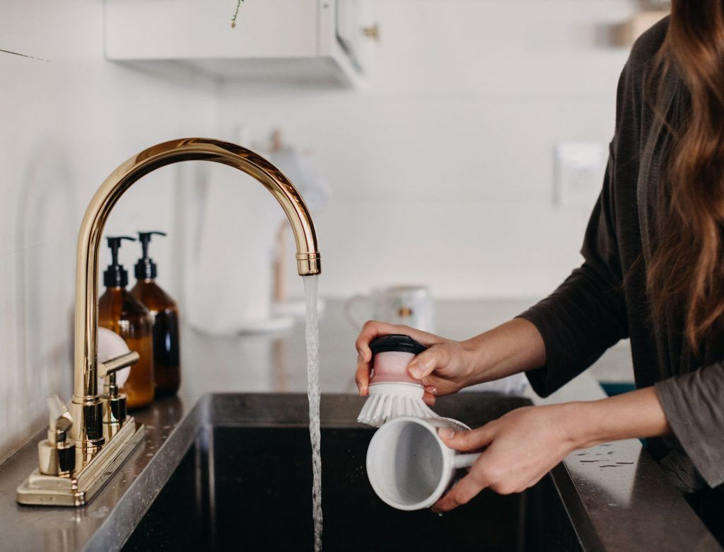 How to Avoid the Chemicals That Disrupt Hormones   Ewg ...