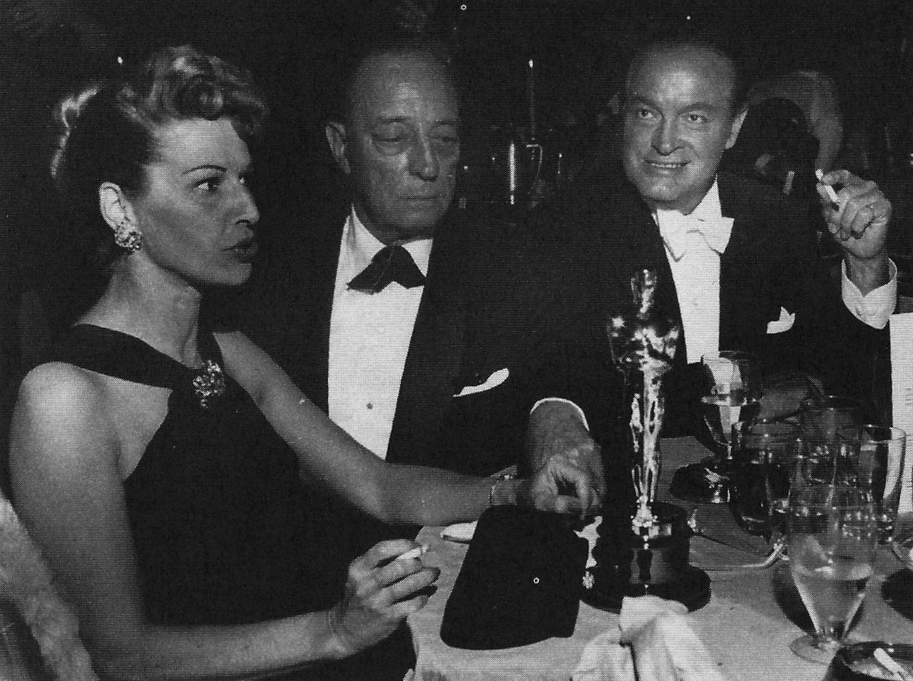 April 4 1960 At A Dinner After The Ceremony Buster Is Honored With An Academy Award Presented By Bob Hope Why After And No F Busters Hollywood Images Actors
