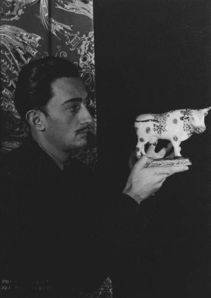 SALVADOR DALI..1934...PHOTO...BY CARL  VAN VETCHEN....BING IMAGES.....