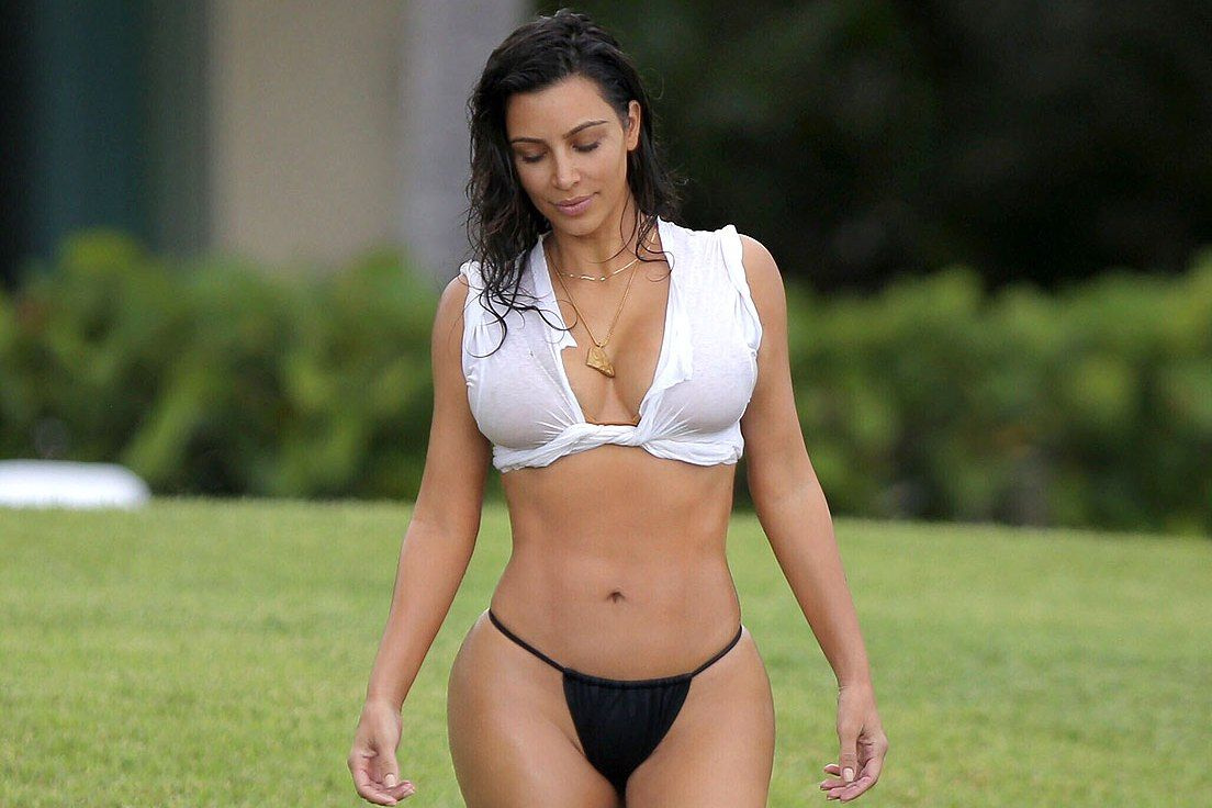 Kim kardashian and kylie jenner wear bikinis in palm springs