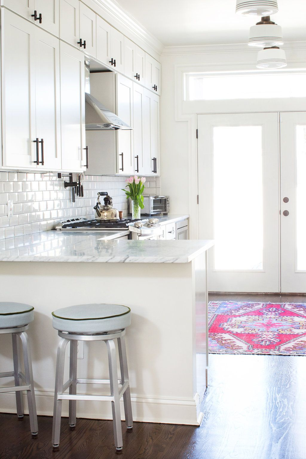 White Kitchen Design With Bar Dining Anna Matthews Interiors