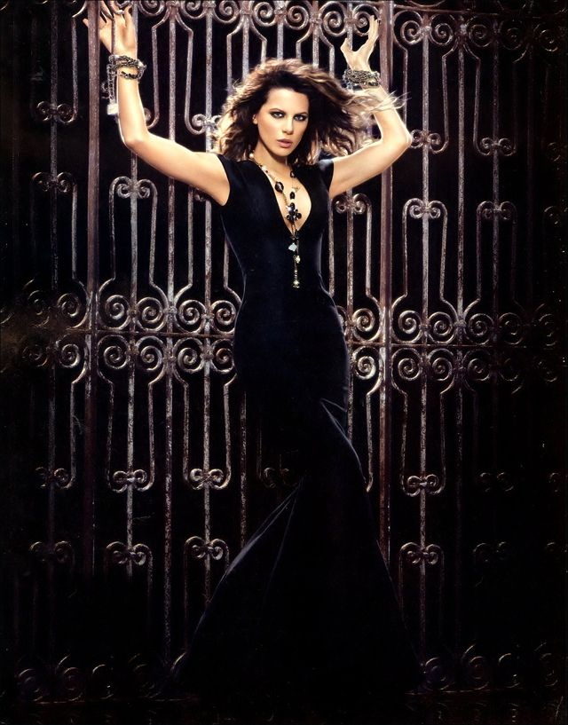 The 20 Hottest Photos Of Kate Beckinsale Gothic