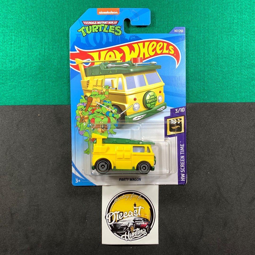 Party Wagon  Harga : Rp35.000 Stock : 4  Ongkos packing 4k Pembelian di atas 400k FREE  Card/Mobil sesuai dengan gambar  Minat Ketik