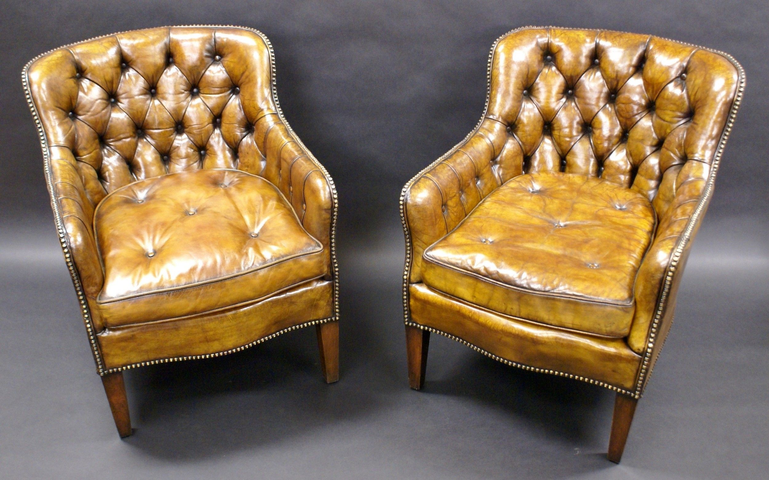 Pair Of Buttoned Leather Arm Chairs 517425 Sellingantiques Co
