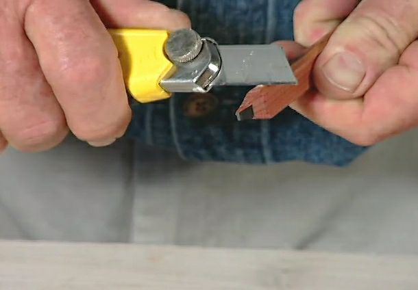 How To Sharpen And Use A Carpenter S Pencil Ron Hazelton Online Diy Ideas Projects Woodworking Tips Pencil Carpenter
