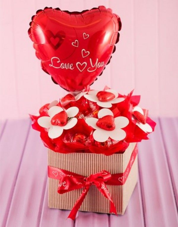 Lindt Chocolate Edible Flower Arrangement for Valentine\'s Day ...