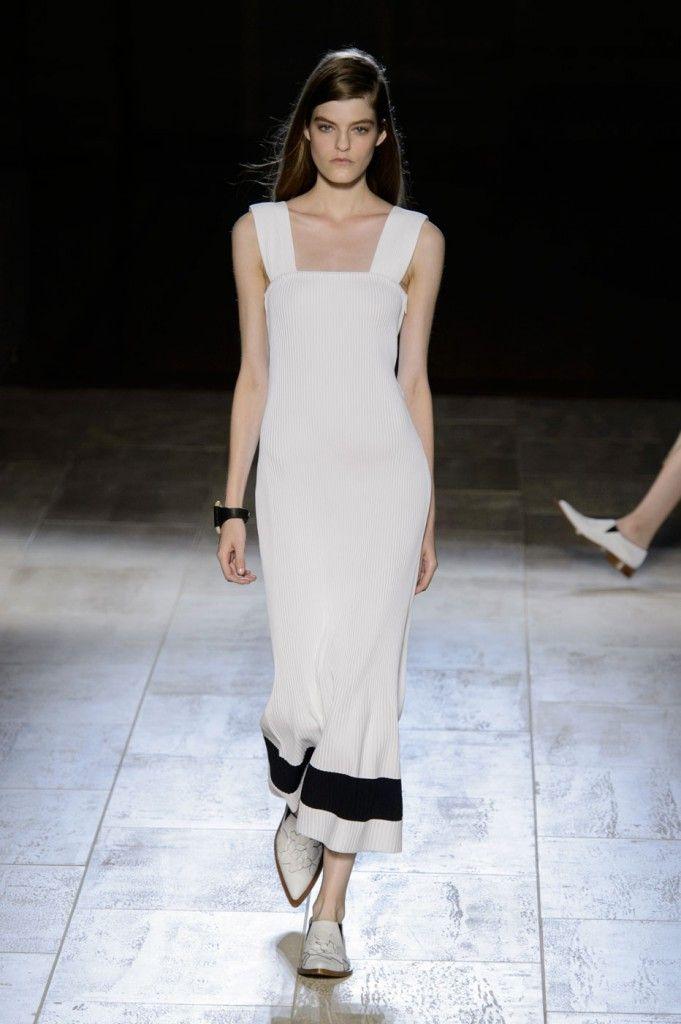 victoria-beckham-fashion-show-spring-2015-the-impression-023