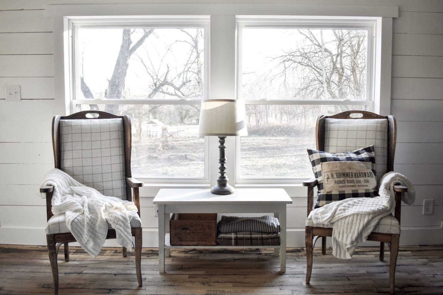 Simple Farmhouse Style Window Trim in 2020 Window trim