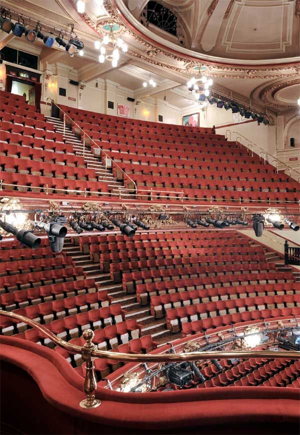Inside Victoria Palace Theatre Glorious Theatre Pinterest